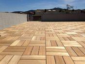 Fliesen aus Holz/Kunststoff